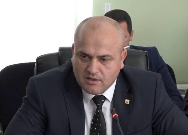 Avdyli akuzon ministrin Ismaili për Ligjin e Sigurimeve Shëndetësore