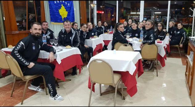 Hoteli spanjoll e bën këtë veprim, pasi klubit kosovar nuk iu lejua përdorimi i simboleve shtetërore