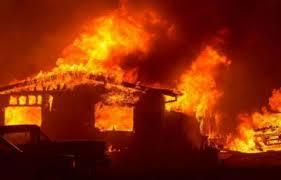 Ferizaj, lëndohet një punëtor pas djegies së auto sallonit