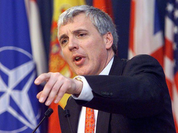 Ish-zëdhënësi i NATO's: Perëndimi mund ta zgjidhë problemin e Kosovës