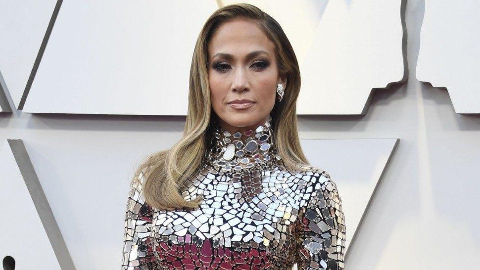 Jennifer Lopez joshëse në premierën e 'Hustlers'