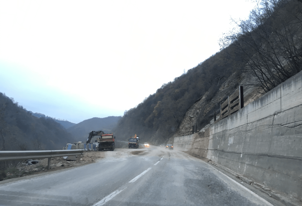 Ministria e Infrastrukturës ka këtë njoftim për pjesëmarrësit në rrugën Kaçanik-Hani i Elezit