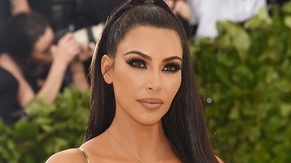 Kim Kardashian tregon se çfarë bën pasi i vë fëmijët në gjumë