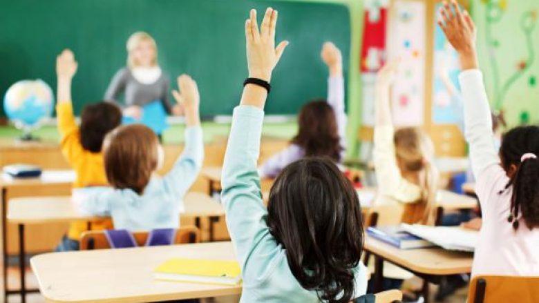 Në këtë shkollë të Prishtinës mësimi po mbahet edhe të shtunave