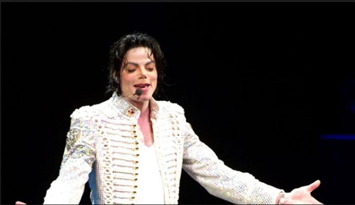Si abuzonte Michael Jackson me djemtë adoleshentë që i ftonte në vilën e tij