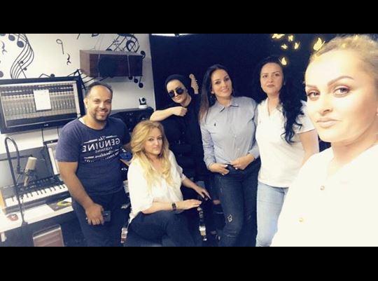 """Motrat Mustafa arrijnë suksesin e parë me këngën """"Çika e nanës"""""""
