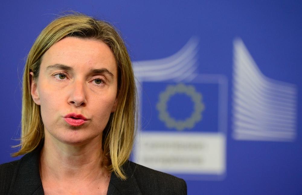 Mogherini: Dialogu nuk mund të vazhdojë pa u hequr taksa