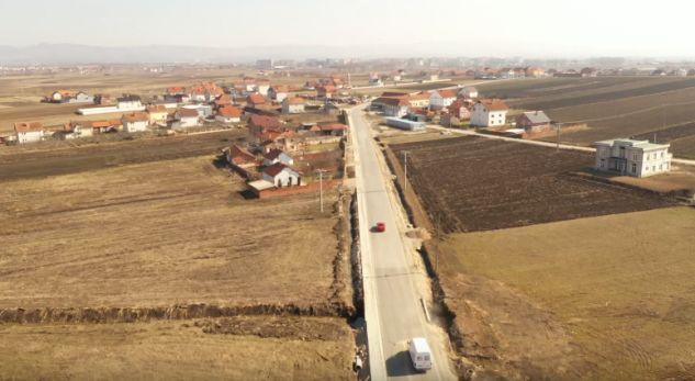 Dëmtohet rruga që kushtoi mbi një milion euro