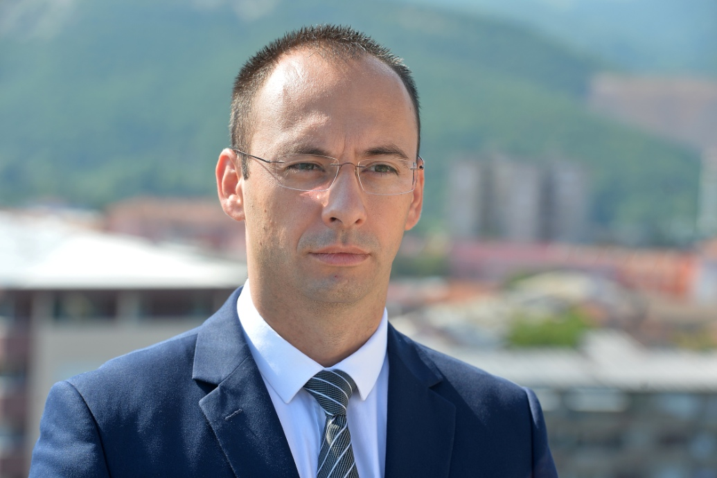Simiq tregon nëse ka marrëveshje mes Beogradit dhe Prishtinës për demarkacionin