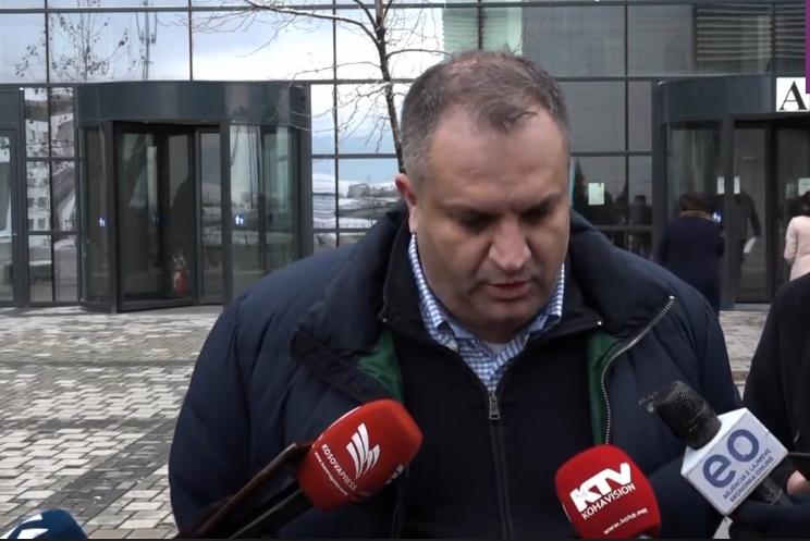 Ahmeti thotë se prapa shpifjeve për tenderin e qumështit qëndron Albin Kurti