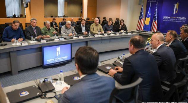 Aeroplani shtetëror që solli zyrtarët amerikanë në Kosovë