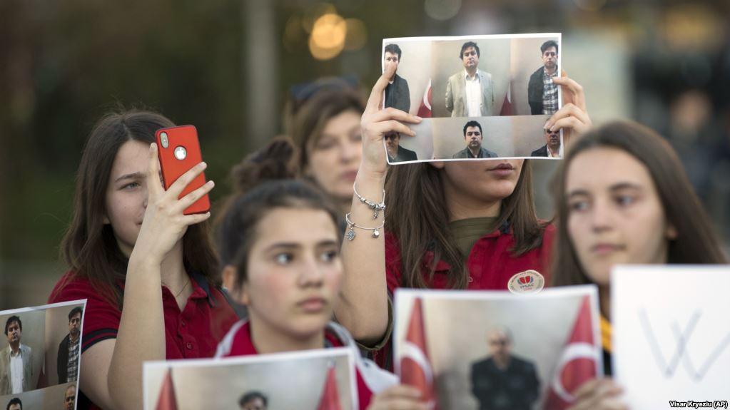 Ka hetime, por jo edhe të akuzuar për dëbimin e shtetasve turq