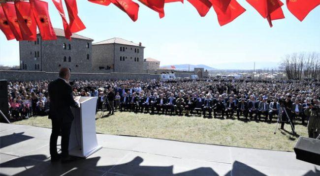 Haradinaj falënderon ata që morën pjesë në 21-vjetorin e Epopesë së Dukagjinit