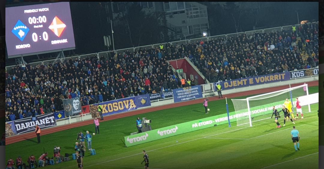 """Ish-lojtari i Bayernit dhe Milanit në stadiumin  """"Fadil Vokrri"""""""