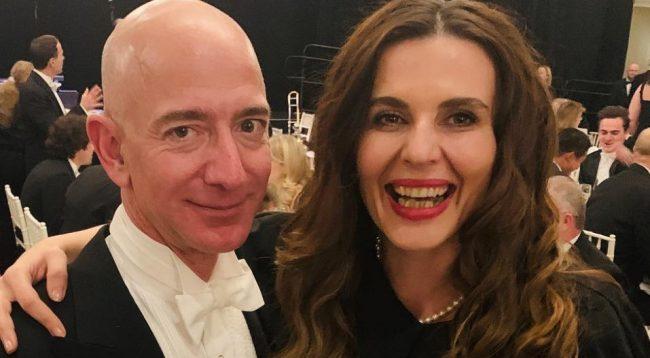 Vlora Çitaku takon Jeff Bezon, njeriun më të pasur në botë