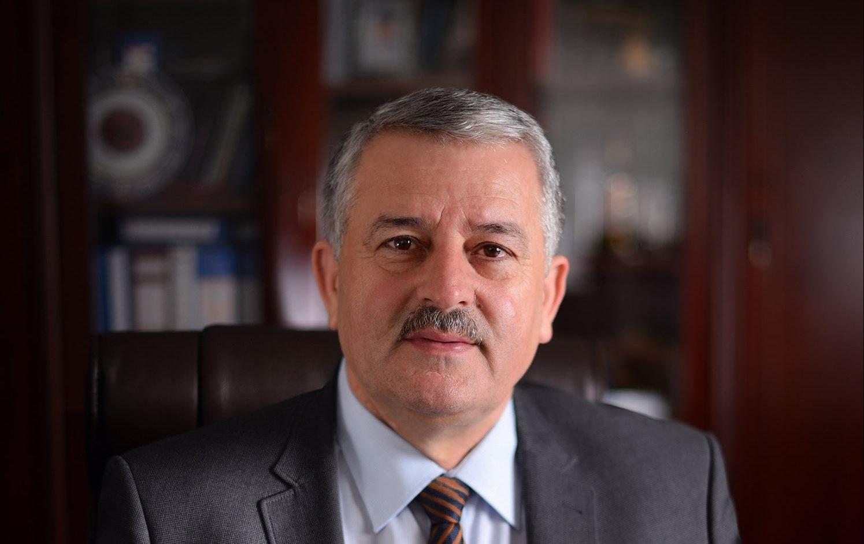 Kryetarja e AAK-së Mrika Thaqi bëhet 'vegël' e Agim Veliut