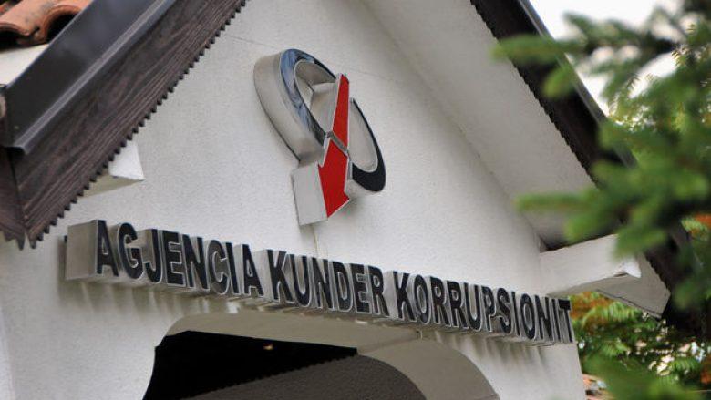 Agjencia Kundër-korrupsion dorëzon kallëzime penale për deputetë e ministra