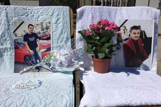 Sot u jepet lamtumira dy të rinjve që humbën jetën në aksidentin në Duhël
