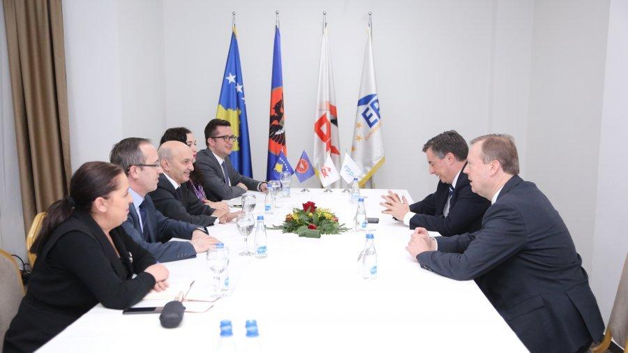 Mustafa pas takimit me McAllisterin thotë se Kosova ka mbështetjen e EPP-së