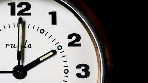 Nesër ndryshon ora, kështu do të lëvizin akrepat