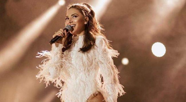 U tha se fiton 20 mijë euro për një koncert, flet Elvana Gjata