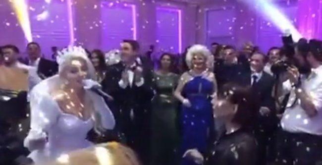 Në dasmën e saj, Gresa merr mikrofonin nga Irma Libohova dhe ia thotë këngës