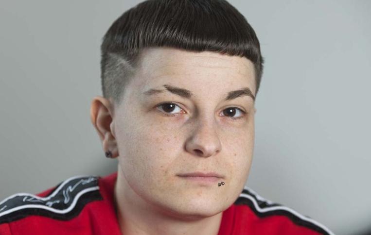 E dashura lesbike kishte lidhje sekrete me vëllanë e saj
