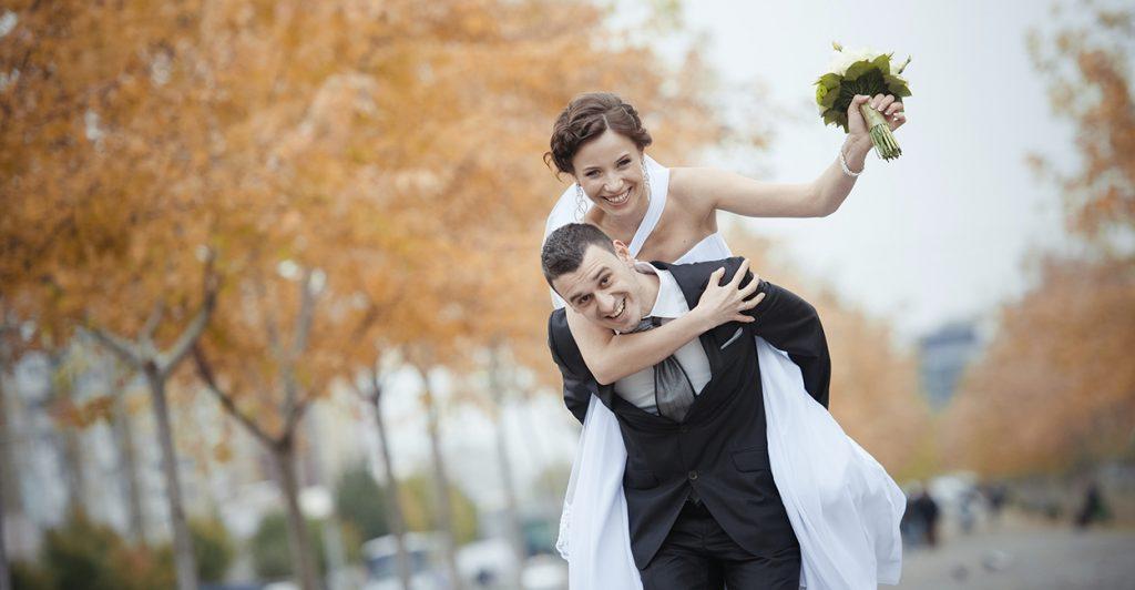 Shkencëtarët tregojnë se nga kush varet lumturia në martesë