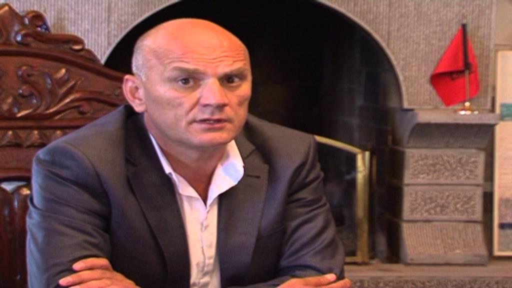 Gani Geci thotë se po rrezikohet nga disa persona me vetura me targa të Shqipërisë