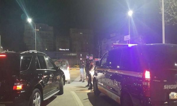 Tiranë: Ndërroi jetë një person, qëllohet me armë