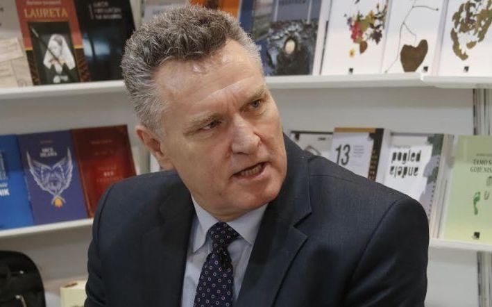 Hoti i kundëpërgjigjet Vuçiqit: Na keni prerë e vrarë, ne duam të dialogojmë përsëri me ju