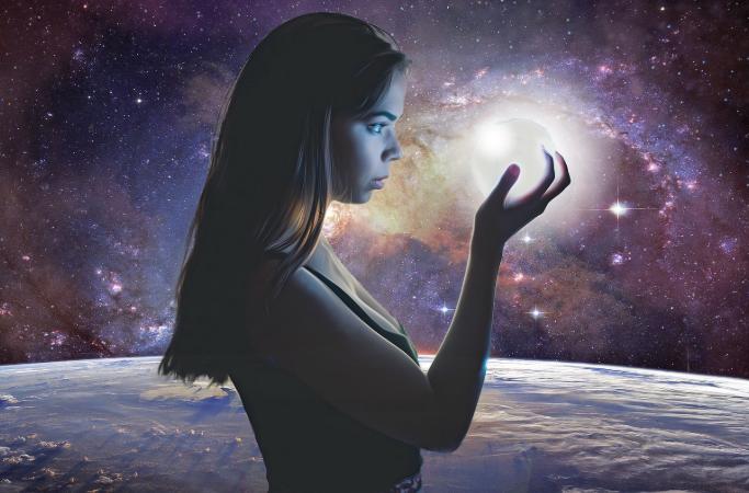 A lejohet që gruaja të lindë në hapësirë?