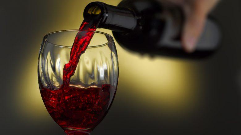 Pirja e një shishe verë është e barabartë me pirjen e më shumë se 10 cigareve për 1 javë rresht