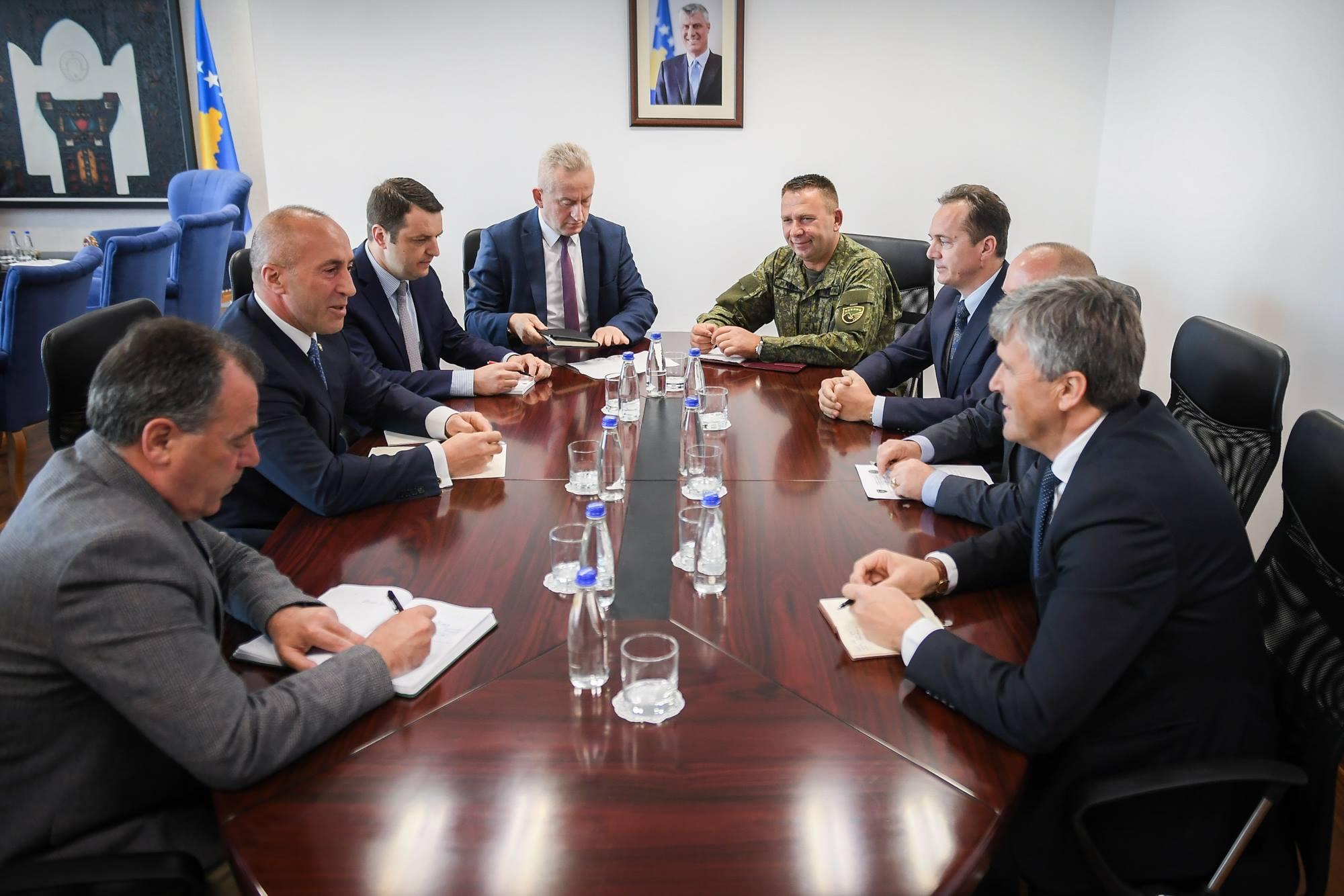 Në ditët e fundit 326 zjarre, Haradinaj kërkon kujdes nga qytetarët