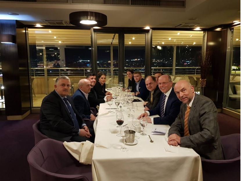 Mustafa mbrëmë u takua me deputetët e Bundestagut, këto janë çështjet që u diskutuan