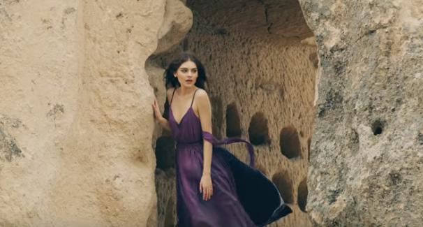 E njihni bukuroshen në klipin e Butrint Imeri, së shpejti vie me një këngë të saj