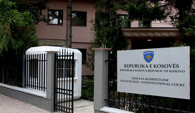 PDK paralajmëron se do ta dërgojë rastin e Valdete Dakës në Kushtetuese