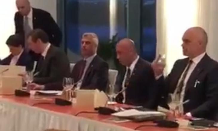 Shtrohet darka në Berlin, Thaçi mes Haradinajt dhe Vuçiqit (Video)