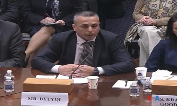 Vëllai i dëshmorëve Bytyçi në Kongresin Amerikan: Vuçiq ka kërcënuar familjen time