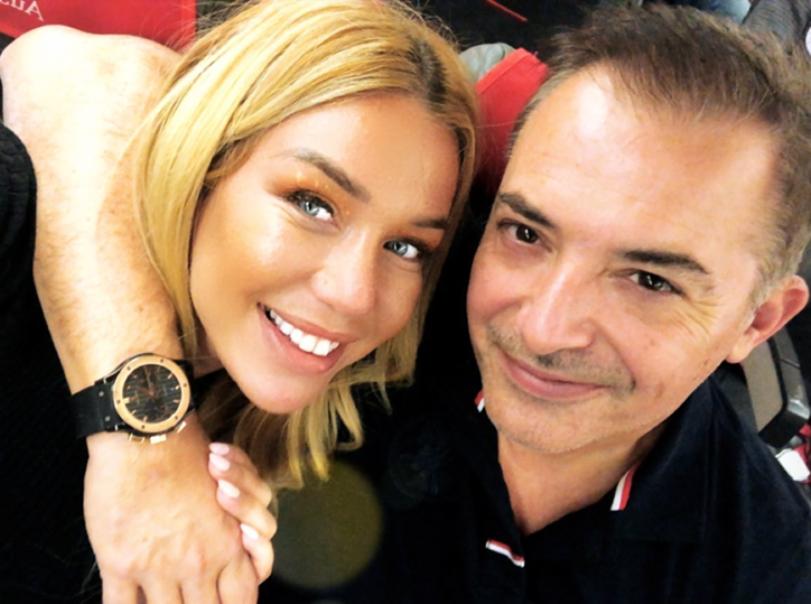 Adelina publikon orën luksoze që i ka blerë burri i saj