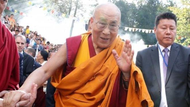 Dalai Lama shtrihet në spital