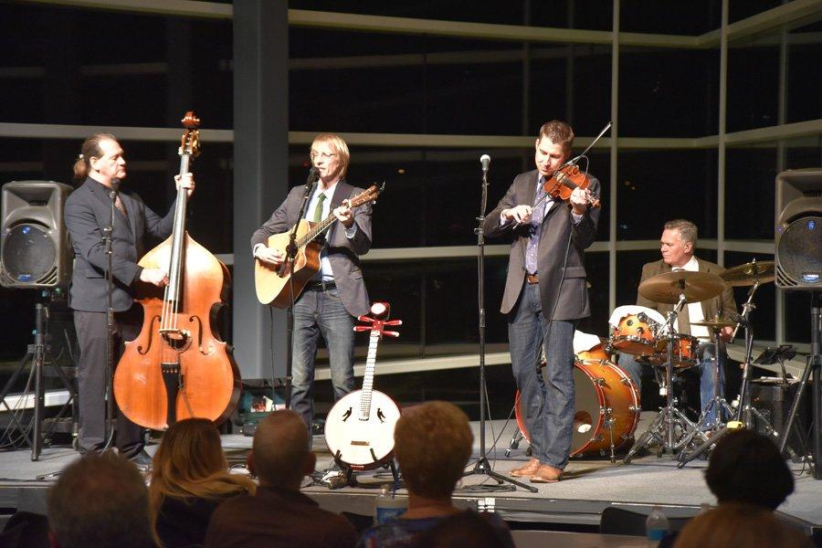Grupi amerikan i folk-muzikës do të interpretojë në Prishtinë dhe Gjakovë
