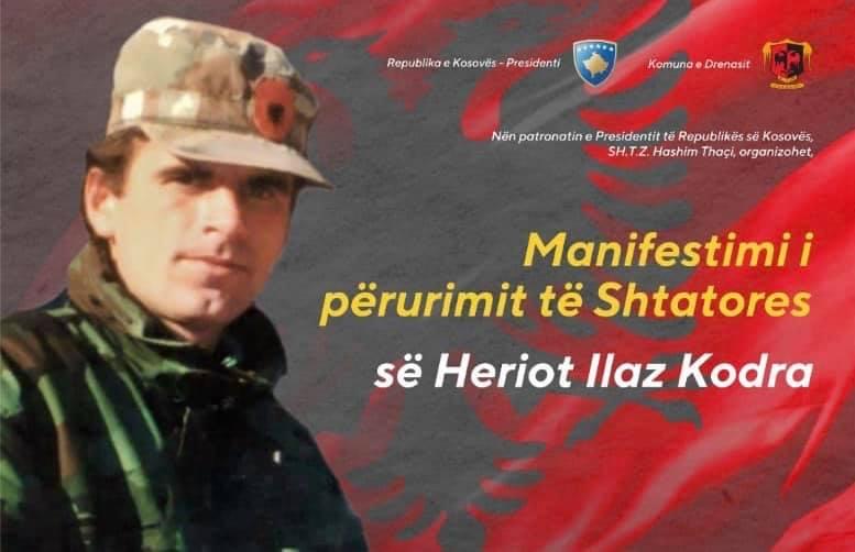 Lladrovci fton qytetarët në përurimin e shtatores së heroit Ilaz Kodra