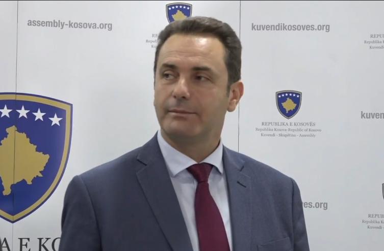 Rugova: Duhen reforma në dy shtylla për të ndalur ikjet