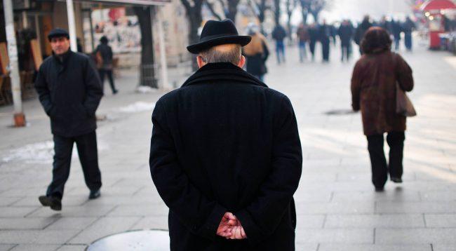 Qeveria zvogëlon shtesën prej 30 euro për pensionistët, nuk preket pensioni bazë