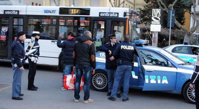 Keqpërdorte të miturat dhe rrihte gruan, dënohet me burg shqiptari