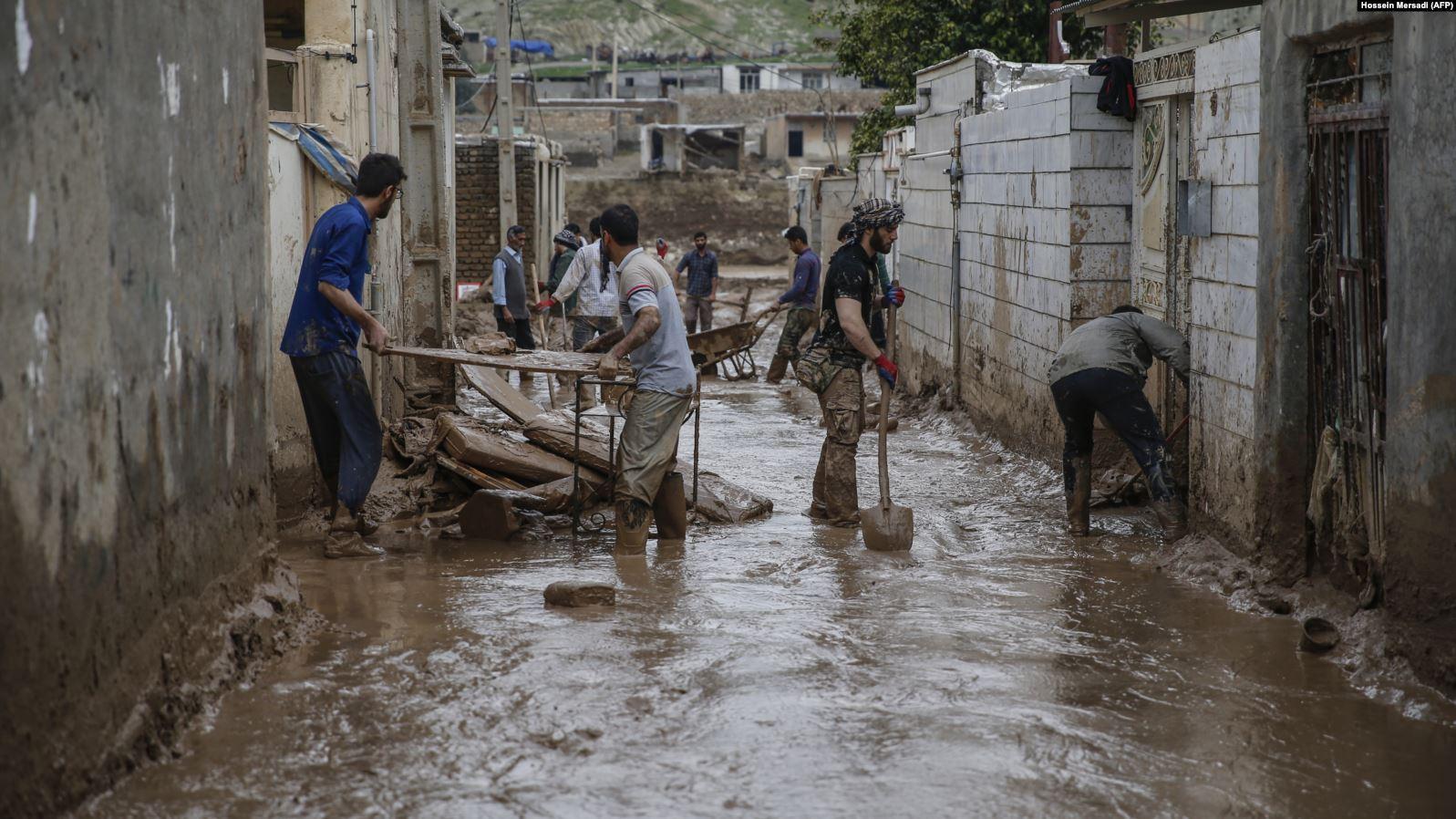 Irani urdhëron evakuuimin 70 mijë banorëve