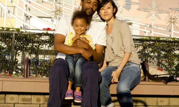 Historia e trishtë afro-amerikanit me racizmin, rrëfën se si përbuzet vajza e tij