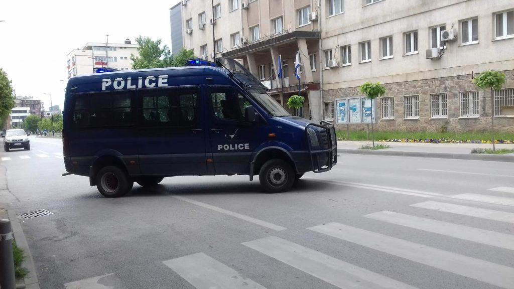 """Largohen deminuesit nga rruga """"Luan Haradinaj"""" në Prishtinë"""