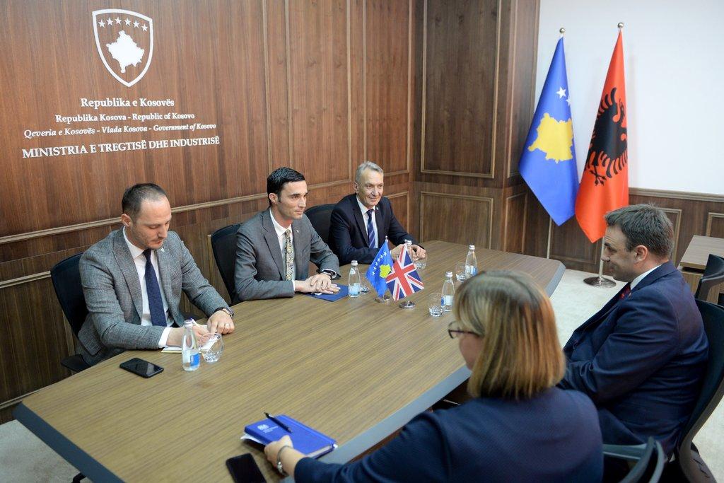 Ministri Shala takon ambasadorin O'Connell, flasin për përkrahjen ekonomike të Kosovës